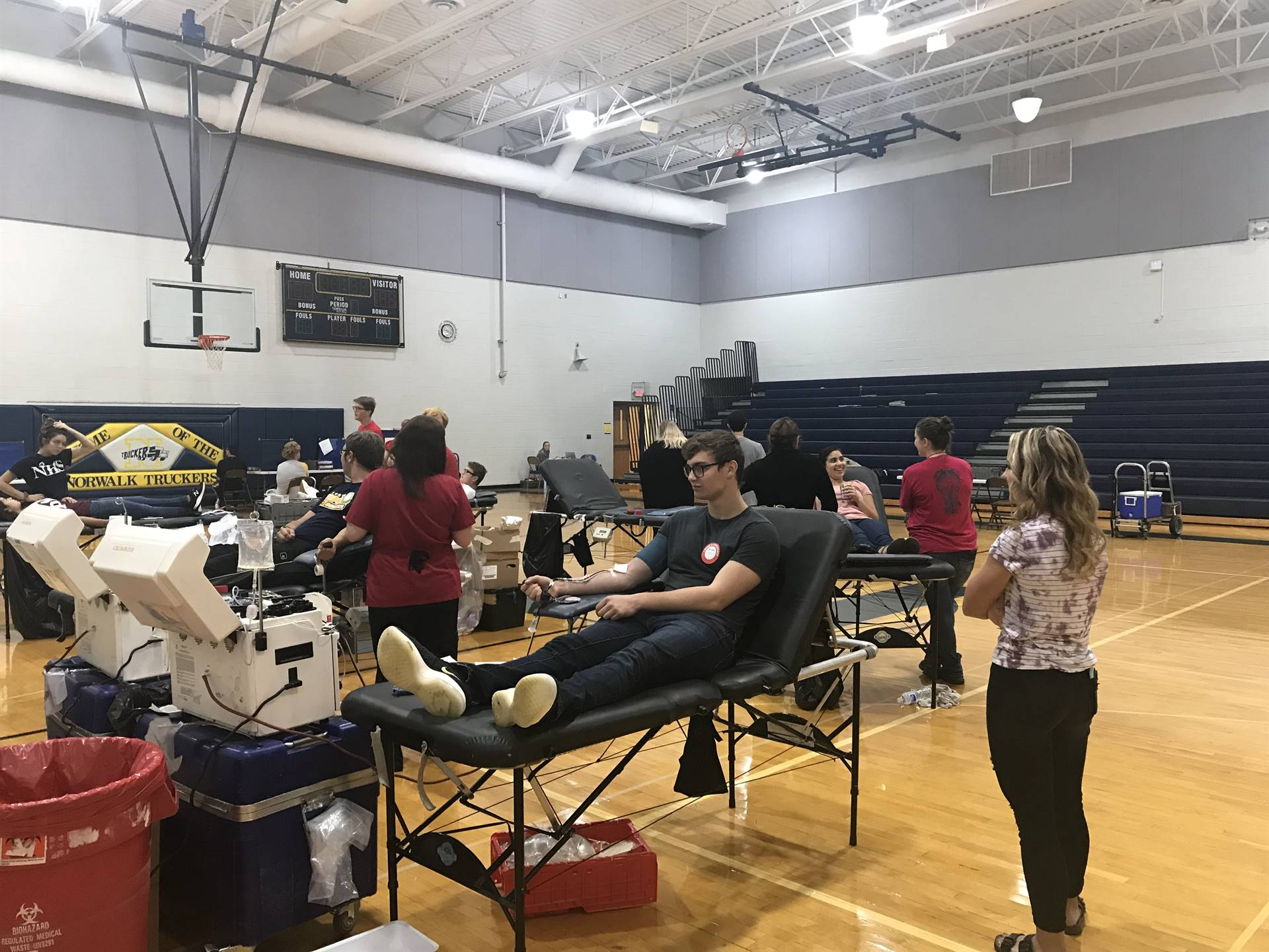 Students Donate Blood and Encourage Each Other
