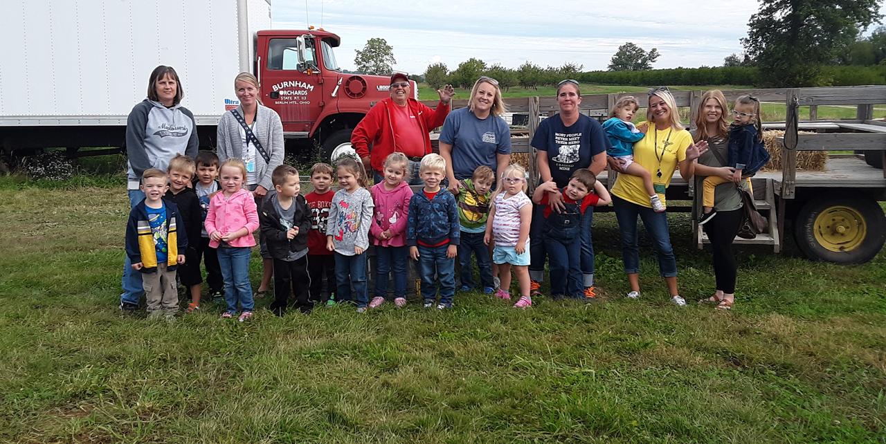 Maplehurst students visit Burnham Orchards