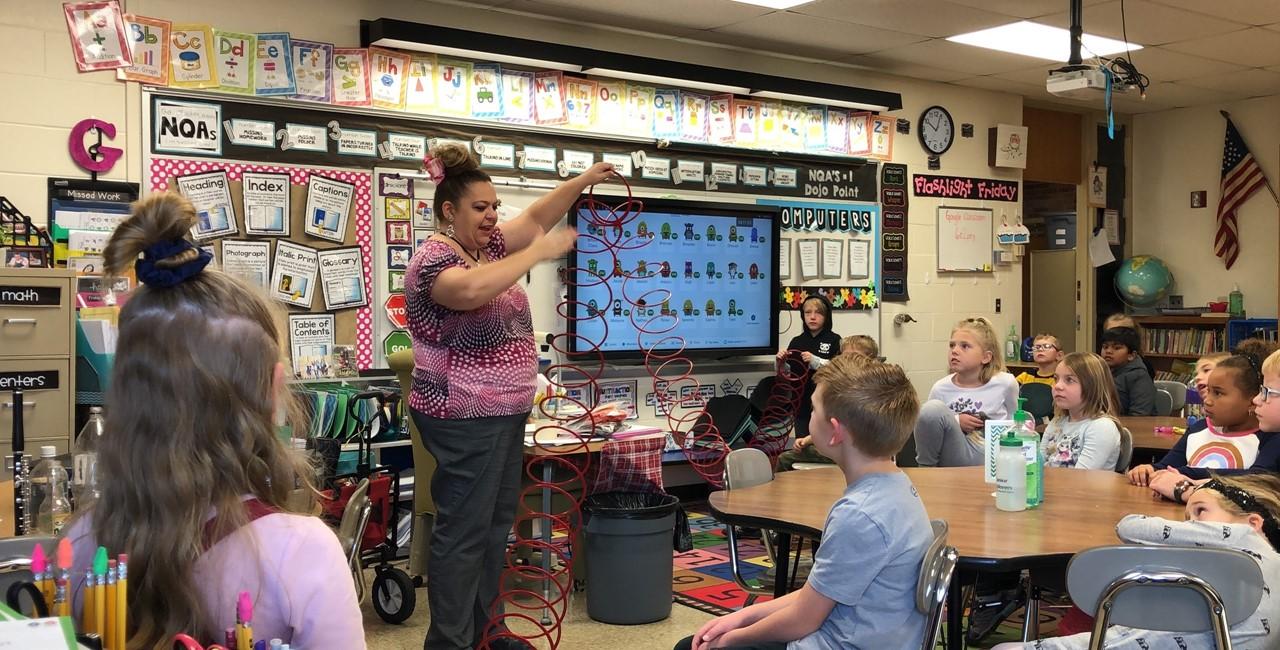 Miss Jody visits Pleasant Elementary
