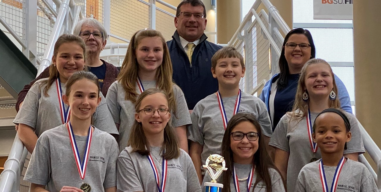 Congratulations to our 6th grade Academic Challenge team. They won the final competition between Sandusky, Clyde, Port Clinton, and Norwalk. They end the season undefeated! ??