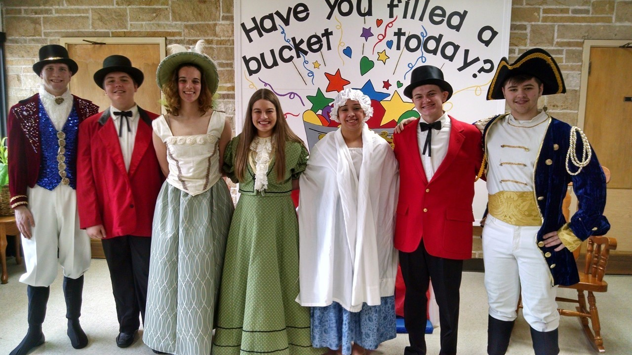 The cast from Barnum visits Maplehurst Elementary students