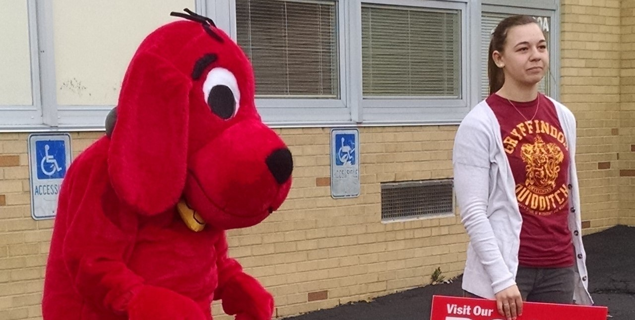 Clifford Welcomes students to Right to Read Week!!!!!
